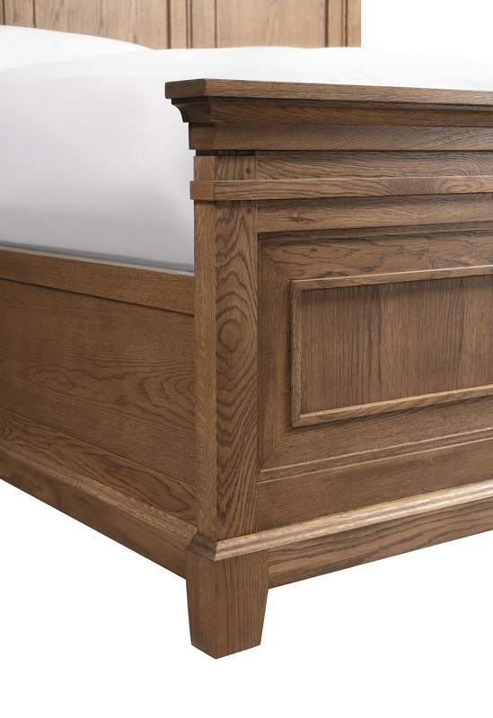 St Lawrence Bed King Detail bed with a traditional style